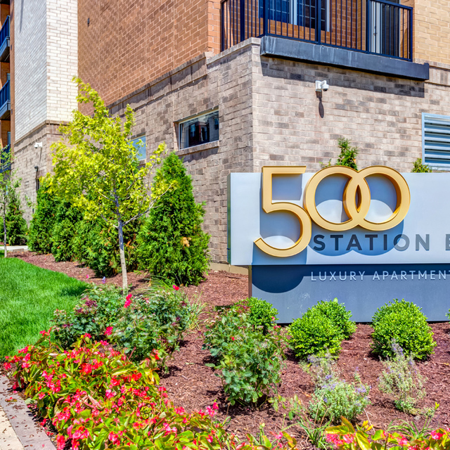 Cozy Modern Apartment Close To Town Walk Everywhere This: Luxury Apartments In Naperville IL